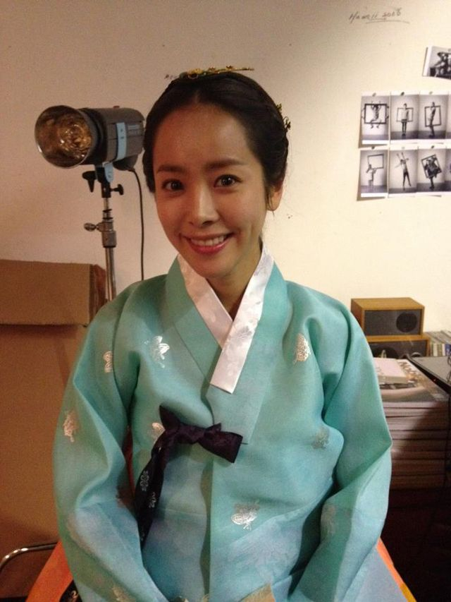 say cheese the men of rooftop prince han ji min in a